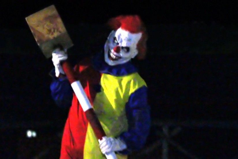 Watch Killer Scary Clown Prank is Awesome! online, DM Pranks made a really  funny prank video with a killer scary clown Watch as he smashes the