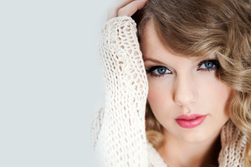 ... Image - Sweet Taylor Swift in Christmas Hat Wallpaper 1920x1200 .
