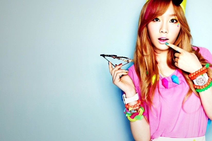 SNSD Taeyeon 2013 Photoshoot HD Wallpaper