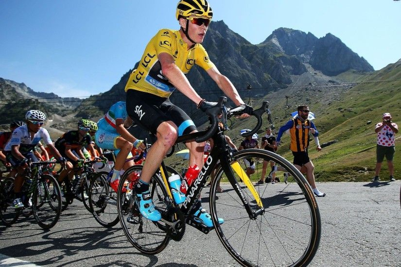Tour de France 2015: Chris Froome retains yellow jersey as Rafal .