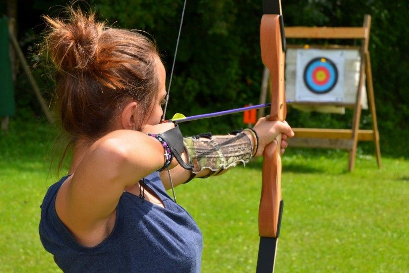 Bow and Arrow Archery Wallpaper
