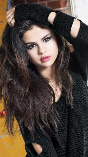 Selena Gomez In Black iPhone 6 and 6 Plus HD Wallpapers