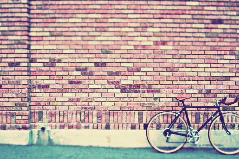 Fixed Gear Bike By The Wall for 2560x1440