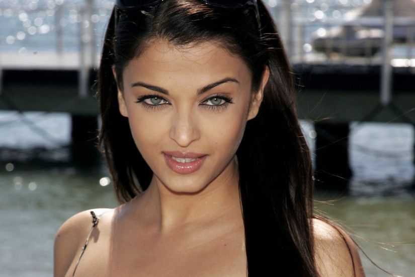 Just looked up her surname, and it says Mitra is Indian. Apparently she is  half indian. The only other Indian chick I found attractive is Aishwarya  Rai.
