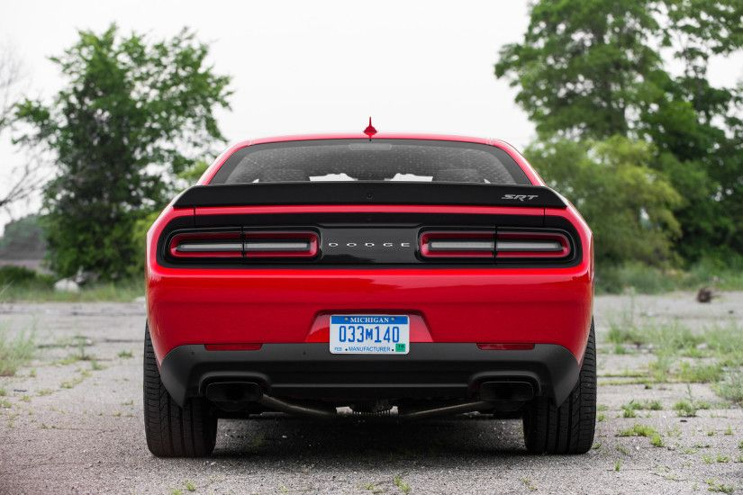 2015 Dodge Challenger 8 Wide Car Wallpaper