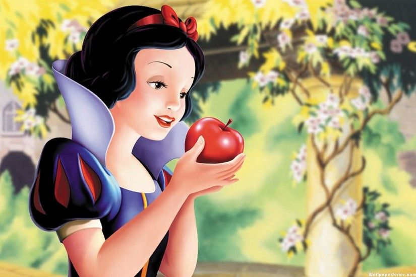 Download: Disney Princess Snow White Holding Poisoned Apple