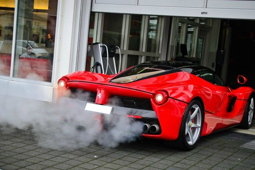 The smoke from the exhaust pipe Ferrari LaFerrari wallpapers and .