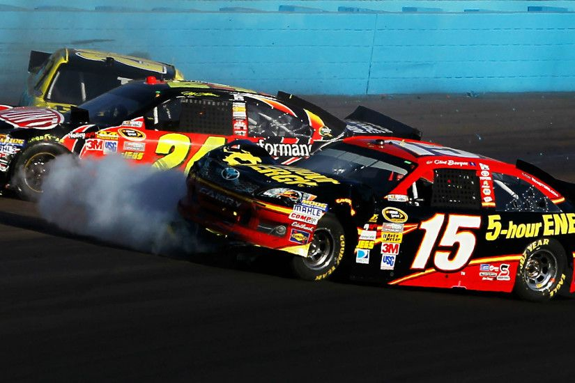 Clint Bowyer pays tribute to Jeff Gordon, but feud still lingers | NASCAR |  Sporting News