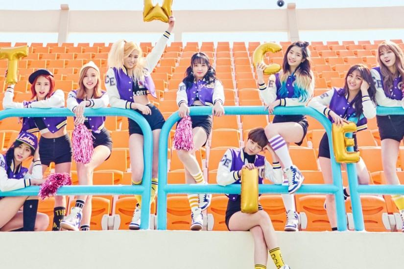 "TWICE's ""Cheer Up"" MV surpasses 75 million views"