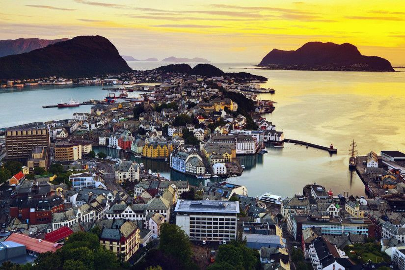 The wallpaper of beautiful morning in Alesund, Norway - Beach Wallpapers