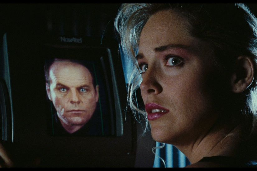 ... Sharon Stone with Michael Ironside in the background - A blu ray  screencap from Total Recall ...