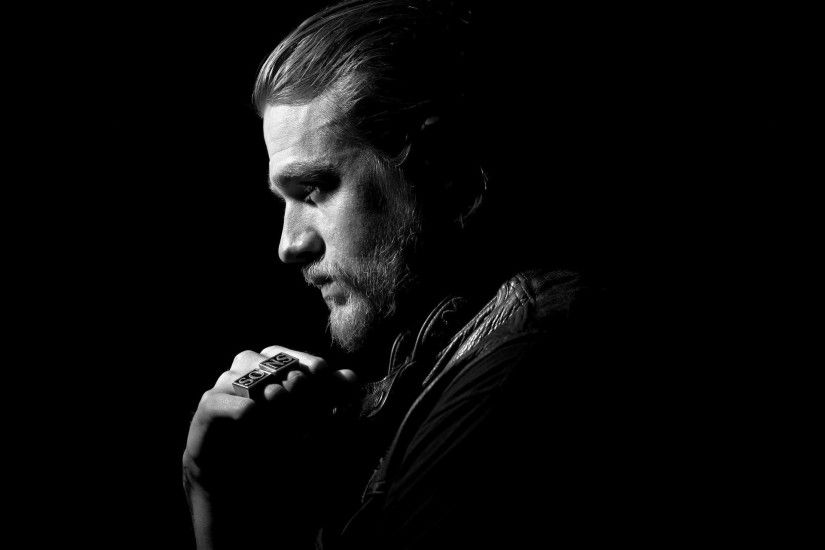 Monochrome Charlie Hunnam Wallpaper 57866