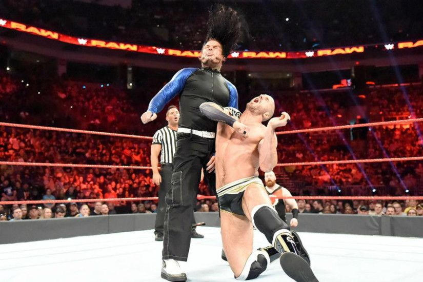 We've picked out the best moves from the top matches from this week's WWE  Raw, including Jeff Hardy v Cesaro and Big Show up against Braun Strowman