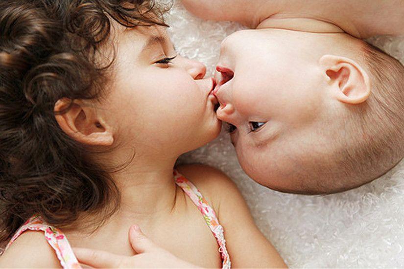 Romantic Kissing Couples 5