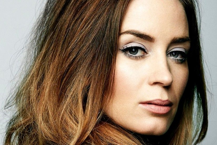 Emily Blunt Wallpapers hd Emily Blunt Backgrounds