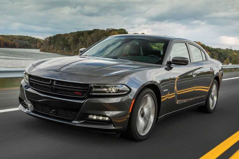 2015 dodge charger rt front three quarter view in montion 2 photo 51