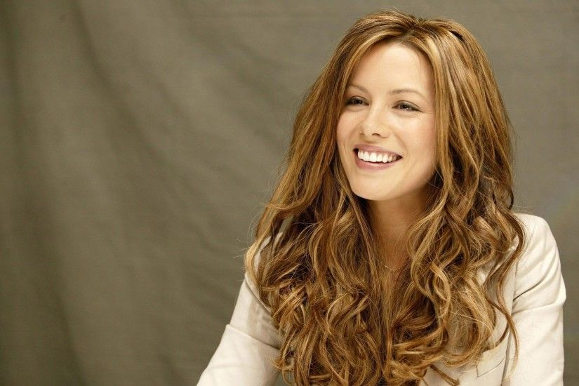 Celebrity - Kate Beckinsale English Actress Wallpaper