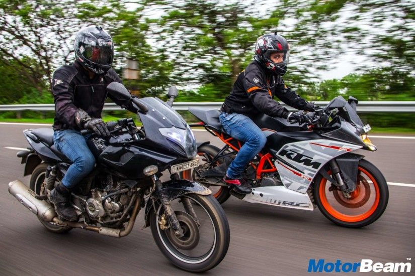 Pulsar 220 vs KTM RC 390 – Fastest Indians