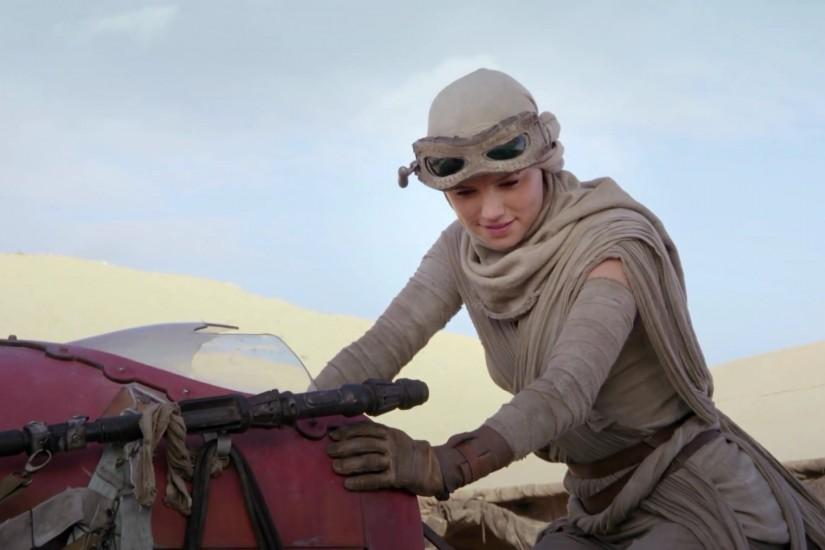 *Star Wars*: How Actress Daisy Ridley Transformed Into Rey for *The Force  Awakens*