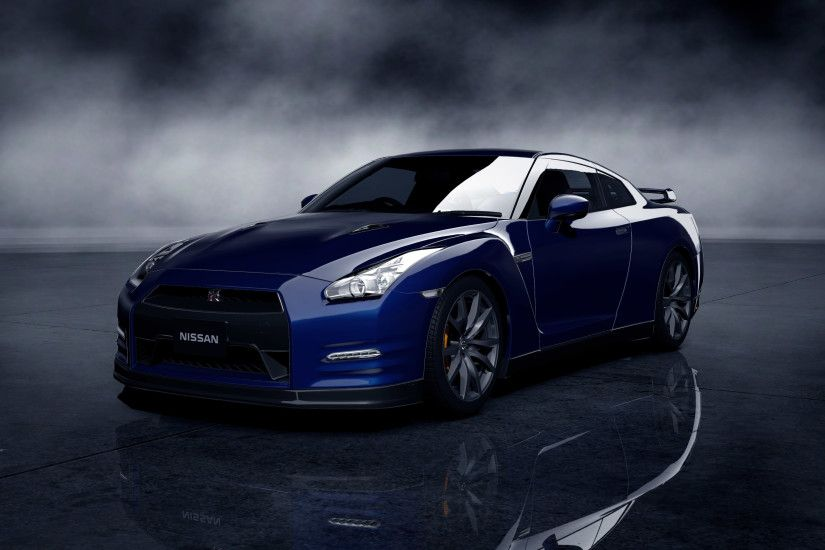 Free Images of Blue Nissan GTR in High Resolution