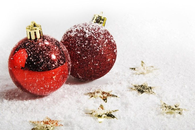 snowy christmas ornaments wallpaper 8581