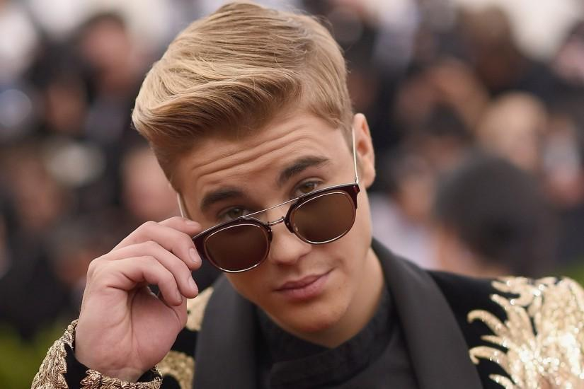 Preview wallpaper justin bieber, singer, sunglasses, style 1920x1080