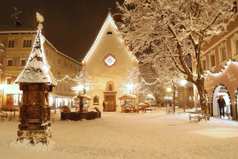 Snow Filled Town Centre ...
