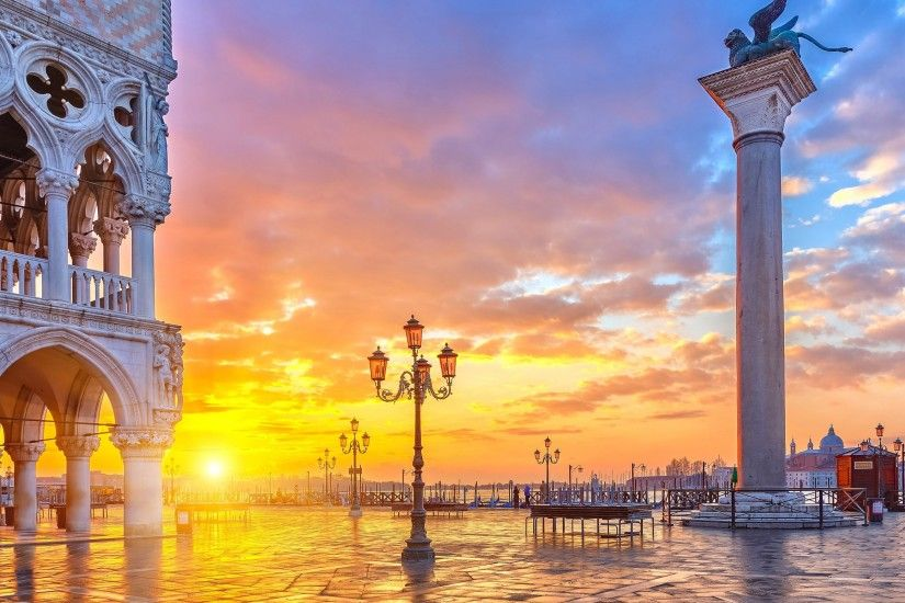 Romantic Sunset in Venice, Italy Wallpaper
