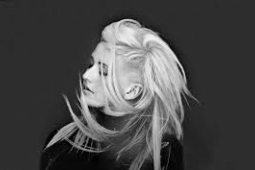 Black and White 4K Ellie Goulding Wallpaper