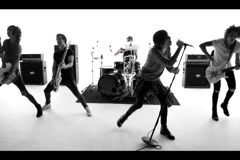 "ASKING ALEXANDRIA ""The Black"" Music Video Is What The Band Sounds Like In  2016 - Metal Injection"