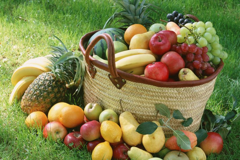 Fruit basket wallpaper