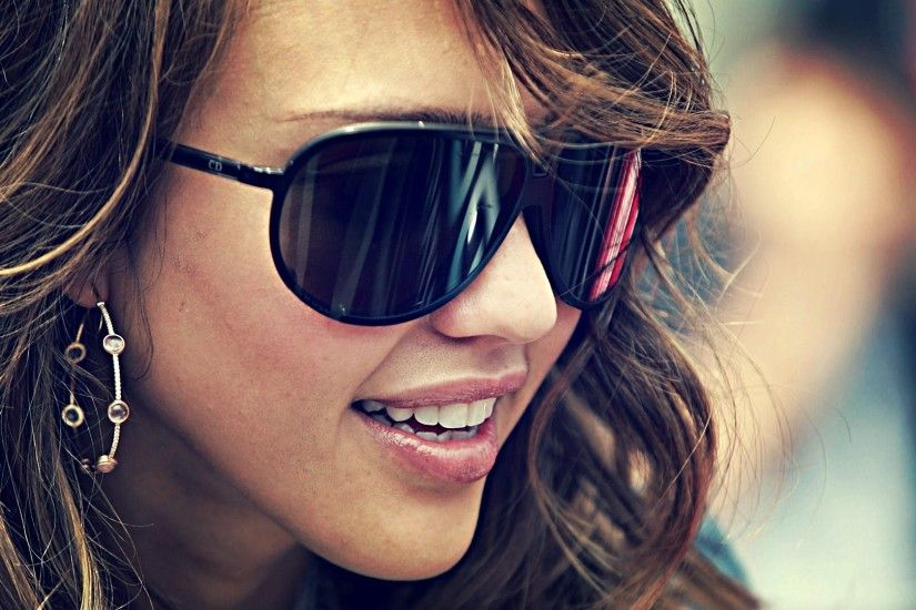 Preview wallpaper jessica alba, actress, goggles, face, hair 3840x2160