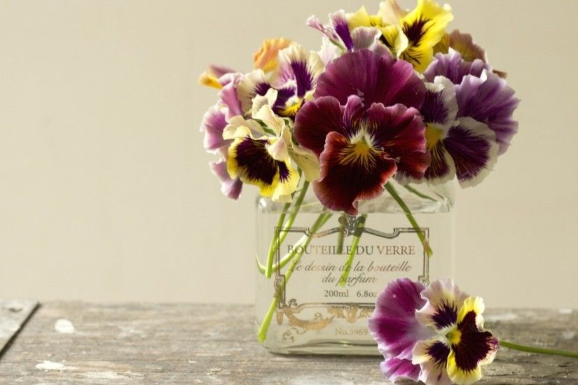 Purple Flowers Bouquet In Vase Free Wallpaper