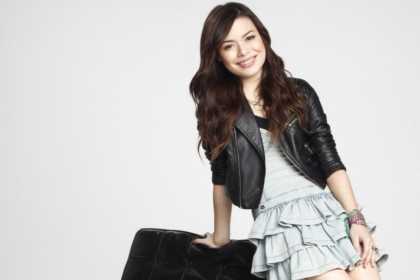 Miranda Cosgrove Wallpaper HD : Find best latest Miranda Cosgrove Wallpaper  HD for your PC desktop background and mobile phones.