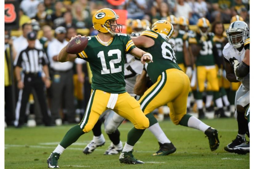 Passing Record 4K Aaron Rodgers Wallpapers