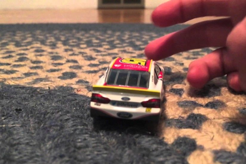 Diecast Reviews 1/64: Michael McDowell and Carl Edwards Subway
