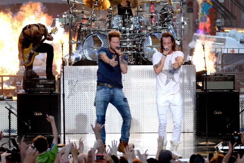 Country, Florida Georgia Line Fire Music Concert, Tyler Hubbard, Brian  Kelley, Flme