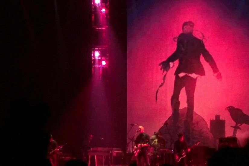 Queens Of The Stone Age - I Appear Missing (2013-07-02, Stadthalle, Wien)