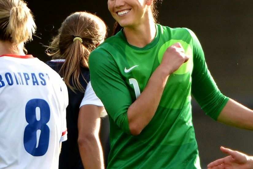 Preview wallpaper hope solo, american football, champion, goalkeeper  2048x2048