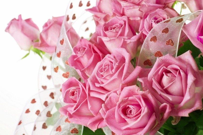 Pink roses bouquet with drops of water Wallpaper