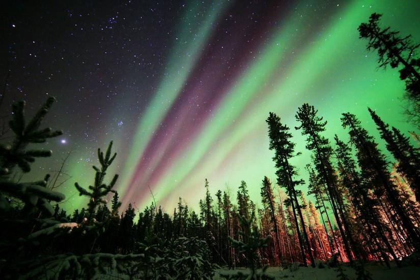 widescreen northern lights wallpaper 2048x1366 for retina