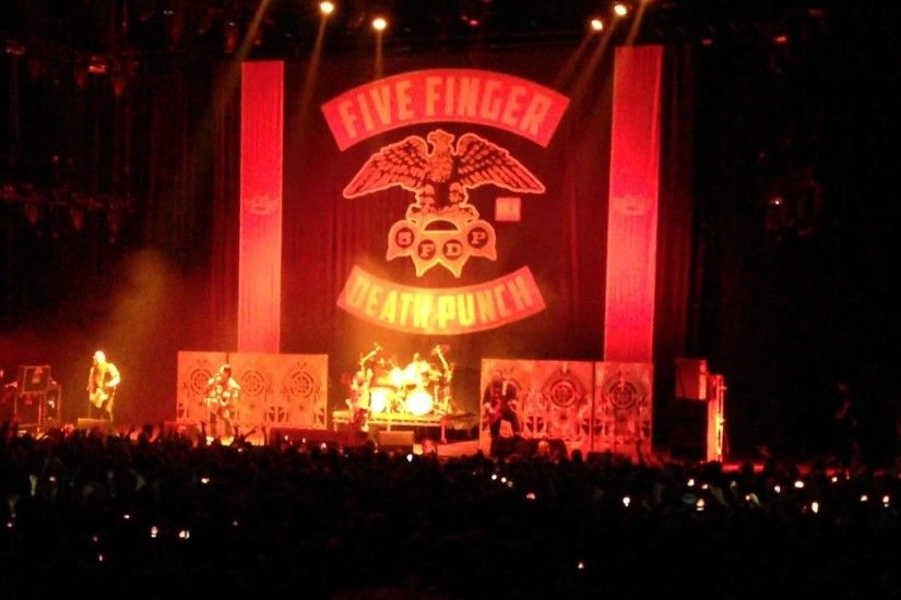Five Finger Death Punch - Burn MF Live in Oslo Spectrum 9 nov 2013 HD 1080p