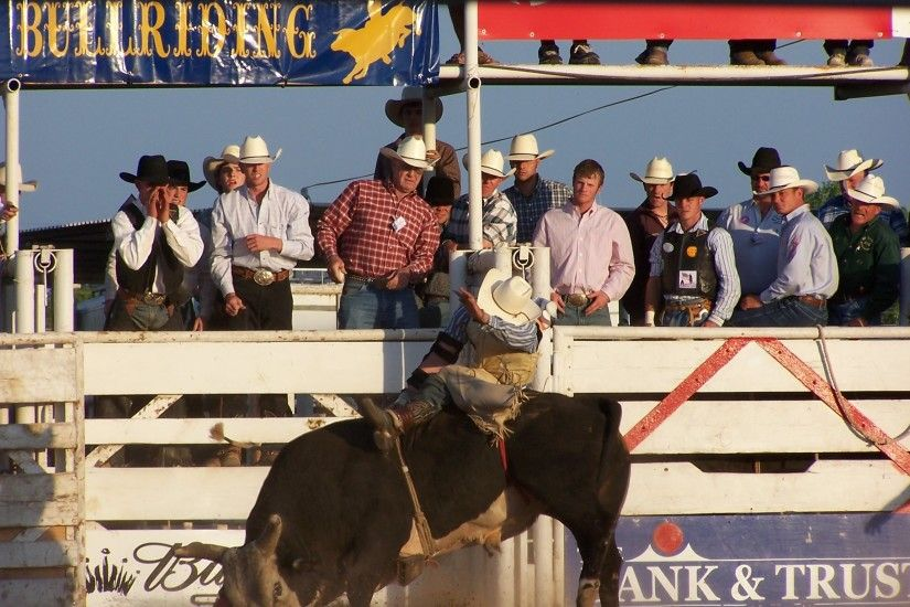 English: Bull Riding in Del Rio, Texas.