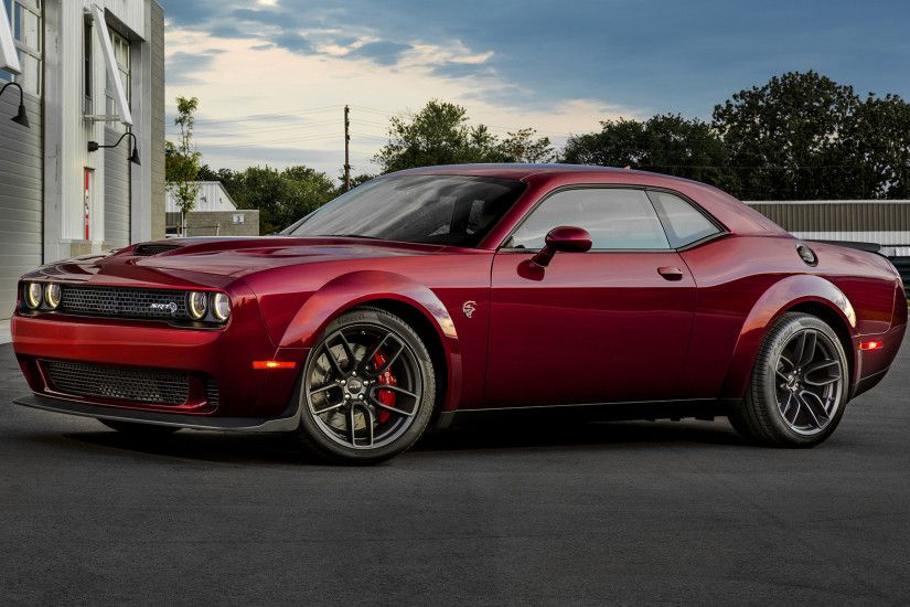 Wide 8:5 · Dodge Challenger SRT Hellcat ...