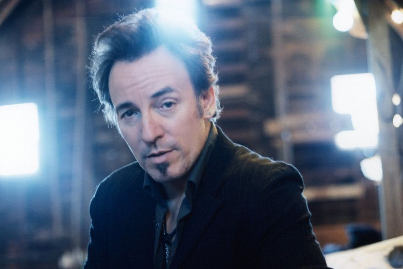 3840x2160 Wallpaper bruce springsteen, look, light, suit, house