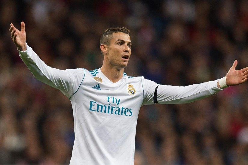 Zinedine Zidane leaps to defence of Karim Benzema and Cristiano Ronaldo as  goal woes continue