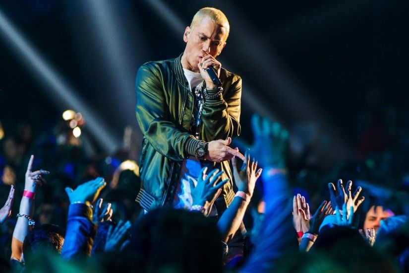 Preview wallpaper eminem, performance, audience, hands 1920x1080
