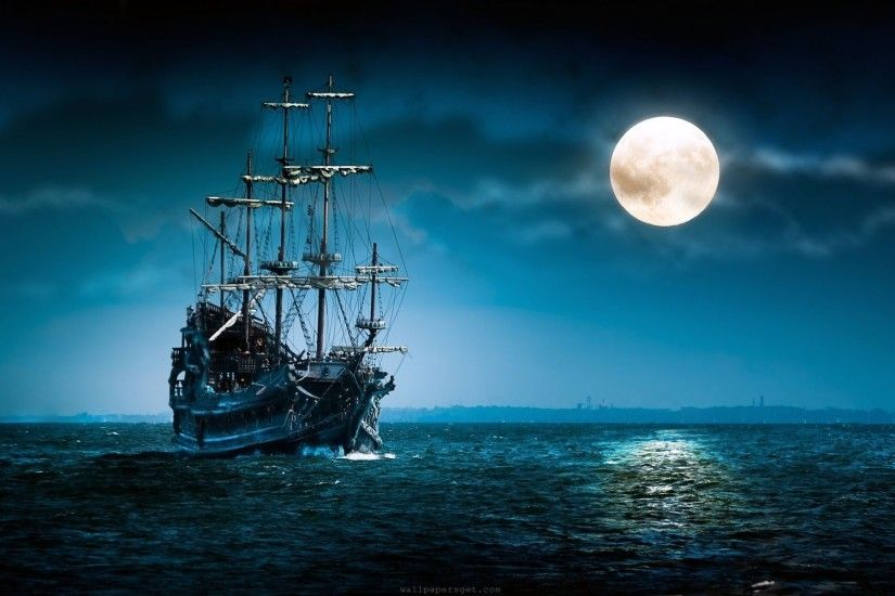 Beautiful Moon Nigh in The Sea HD Desktop Wallpaper