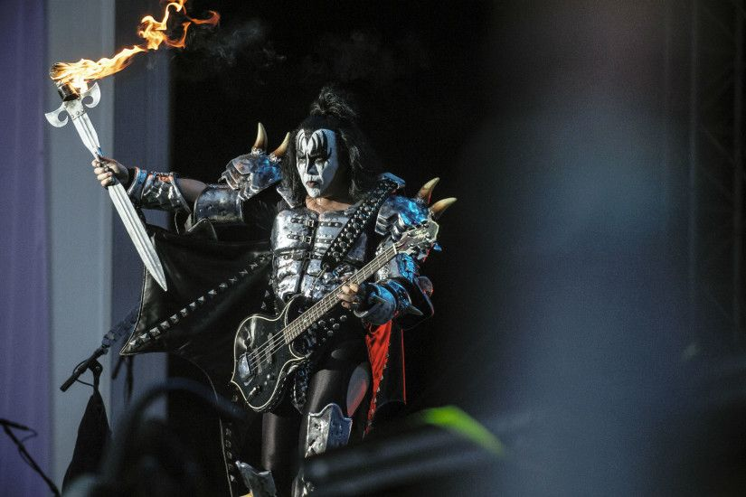 Kiss heavy metal rock bands concert guitar v wallpaper background