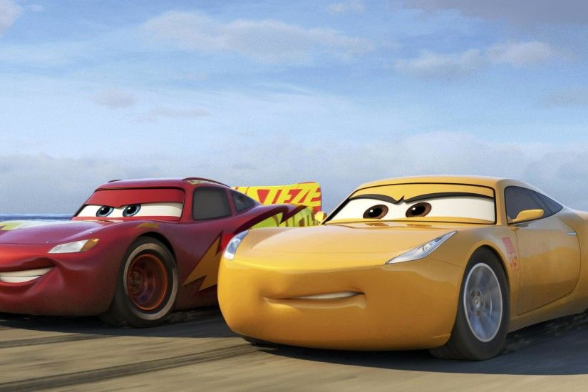 Cars 3 - Cruz Ramirez VS Lightning McQueen 3840x2160 wallpaper